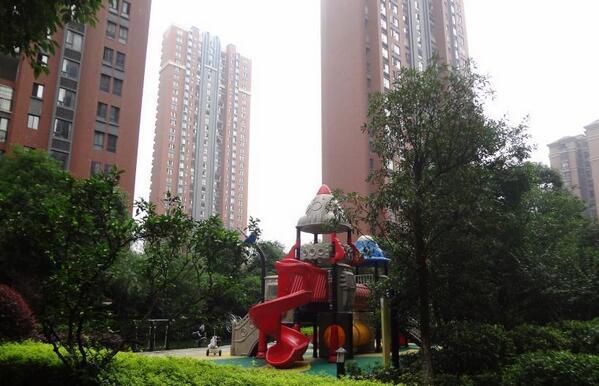 华润凤凰城三期环境图