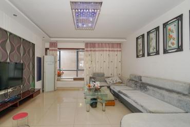 標志浪漫滿屋(楓景公寓)  4室2廳1衛    136.0萬