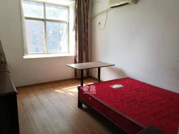 坡地庭院  3室2厅2卫    1200.0元/月