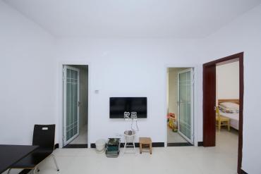 百纳广场(百纳公寓)  2室1厅1卫    69.0万