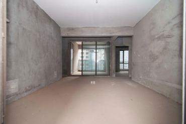 3室2厅 电梯房  诚心出售 价格可议