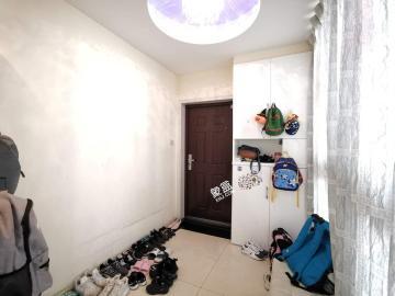 锦绣龙城  3室2厅1卫    2900.0元/月