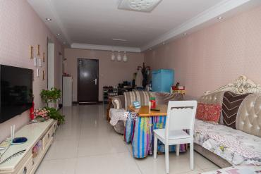 三一街区  2室2厅1卫    79.8万