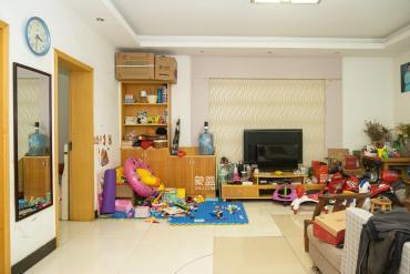 開元路湘繡城三號線地鐵口中南小學80平兩室兩廳53萬
