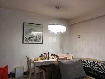 摩登小镇  3室2厅2卫    140.0万