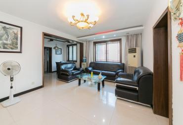 望江公寓  3室2厅2卫    95.0万