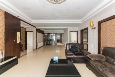 湘江世纪城富湾国际  5室2厅2卫    330.0万