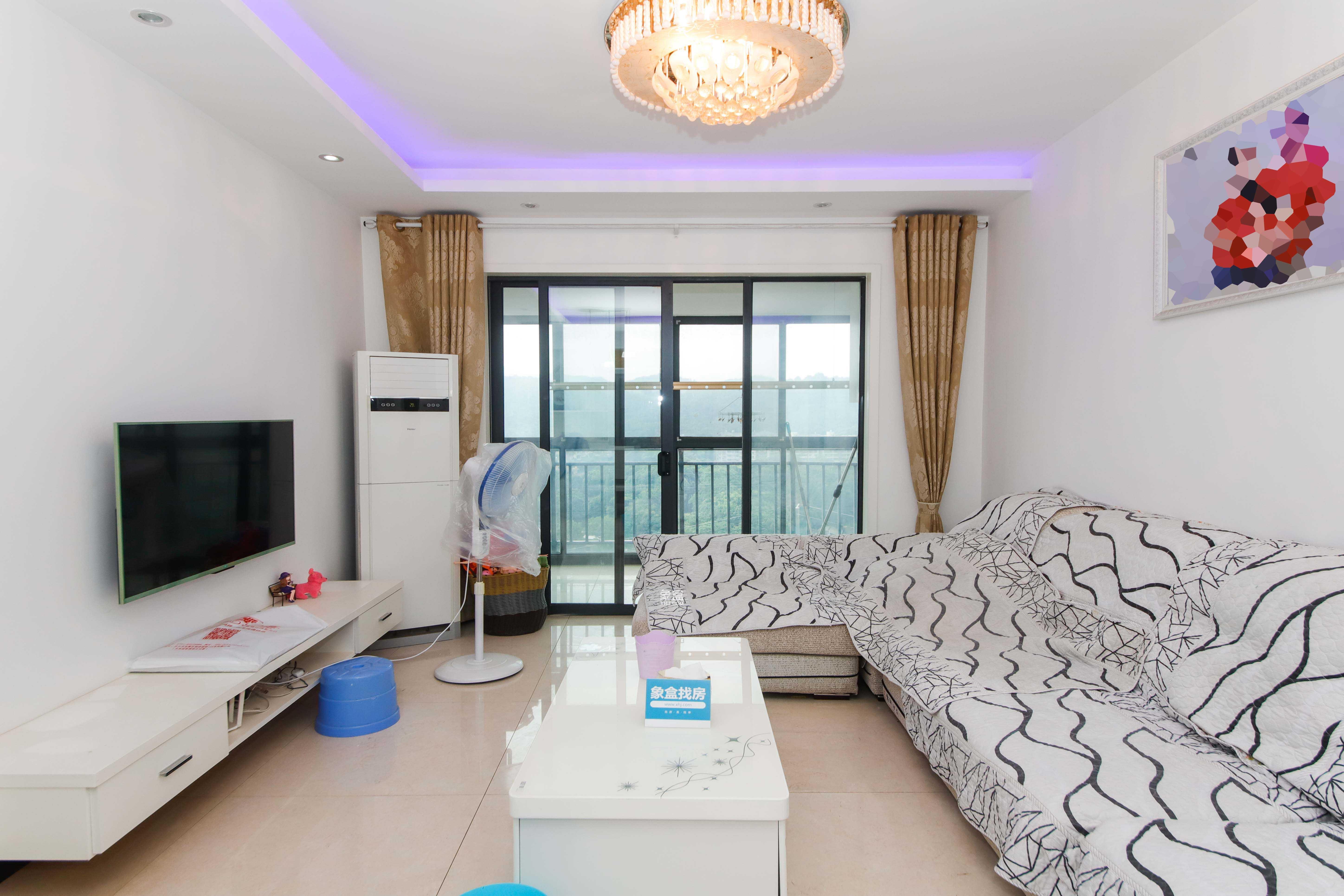 莱茵城 3房两厅 带家具家电 诚心出售 中间楼层