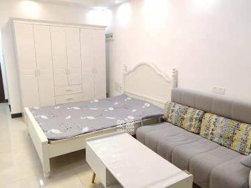 房東急租,出價就談 小區環境好,房間采光好