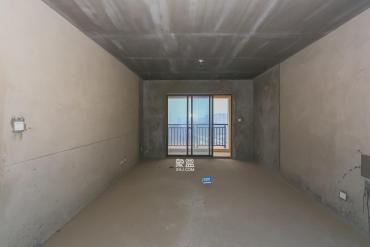 卓越蔚蓝海岸  3室2厅2卫    160.0万