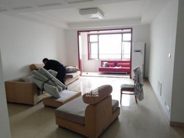 八方小區  4室2廳2衛    3500.0元/月