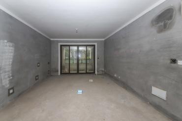 金茂梅溪湖  6室4厅4卫    292.0万