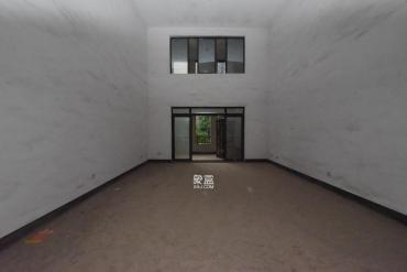 中隆国际御玺  8室2厅6卫    720.0万