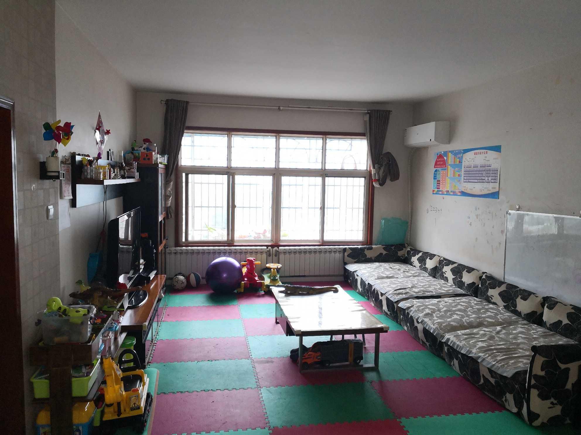 广济苑公寓 4室2厅2卫 200.0万