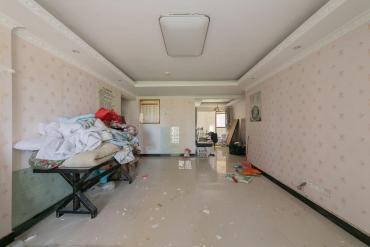 北辰D2 很好的四房户型 房东诚心出售 可随时看房