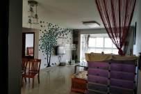 可短租,可押一付一,品质小区环境优雅,精装修三房,家具齐全