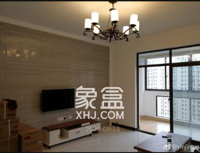 2800租滨江新城大四房,金融中心,南北通透,家具家电齐全