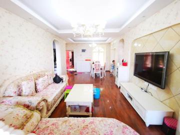 带全房地暖婚房首租 南北通透中间楼层 看房即可入住还等什么