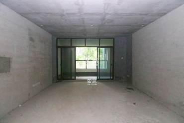 4号线正地铁 口 绿地中央广场 南北通透双阳台大四房精致毛坯