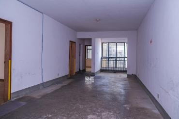 首付30万、可做四房、朝南户型、使用面积120平米