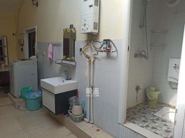 湖湘林语三期  1室1厅1卫    600.0元/月