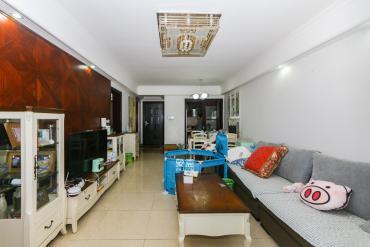 房東自居裝修,小三房出售