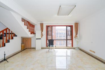 鑫遠和城(一、二期)  4室2廳3衛  戶型周正房東急賣
