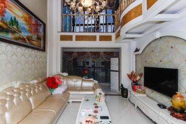 豪华复式,舒适享受,地铁口保利麓谷林语F区,直接入住