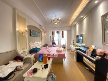 梅溪国际公寓 精装一房 繁华地段 配套齐全 仅租1900