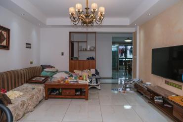 财富名园  3室2厅2卫    175.0万