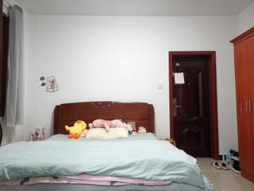 高岭小区  1室2厅1卫    1300.0元/月