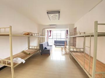 輝煌國際城  3室2廳2衛    2700.0元/月
