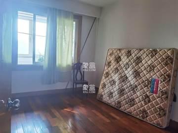 1号线黄土岭地铁  单位三房居家装修 房东急租 随时可看