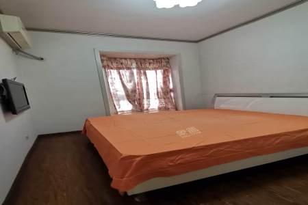 二江花园  3室2厅2卫    2000.0元/月