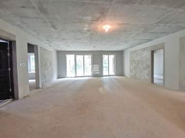 金地南湖艺境二期  4室2厅2卫    700.0万