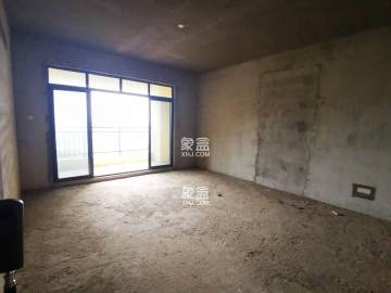 碧桂园  毛坯大4室2厅2卫 76.8万