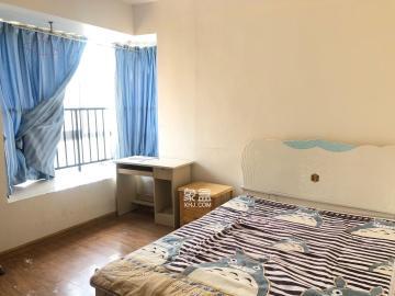 水岸世景  3室2厅2卫    700.0元/月