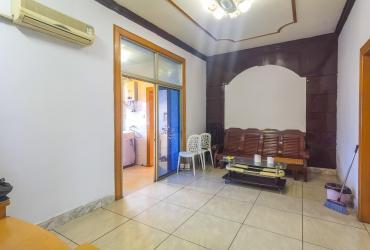总价18.5万 证上面积68平 杉木塘公交站旁精装两室