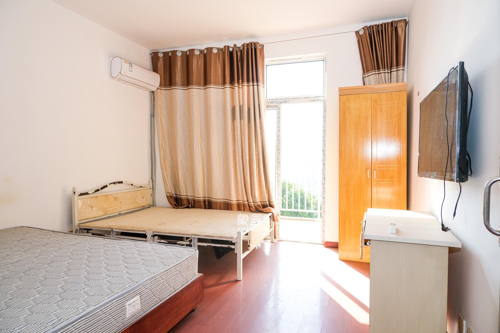 山水灣**便宜的小3房,精裝,租金抵月供  72.8萬