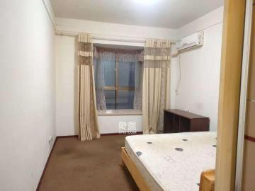 庐山恋  4室2厅1卫    3200.0元/月