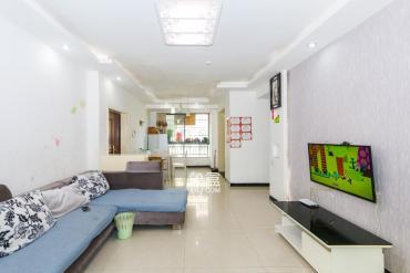 精裝三房南北通透,家電齊全,拎包入住,空氣清新,適合居家