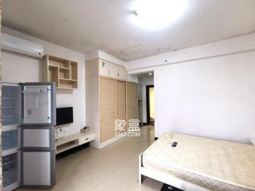 精装单身公寓 1700一个月 近芯城 拎包入住