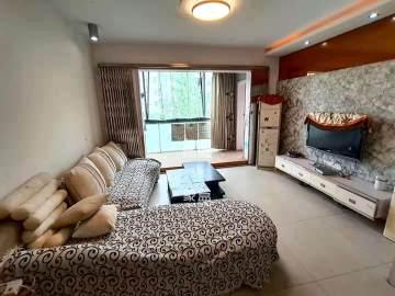 阳光100二期  6室2厅2卫    3500.0元/月