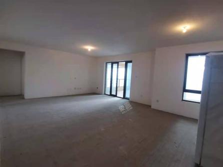 南湖国际6期  5室2厅1卫    310.0万