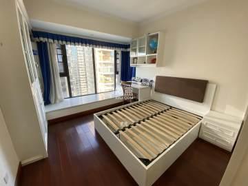 红橡华园河景三室两厅