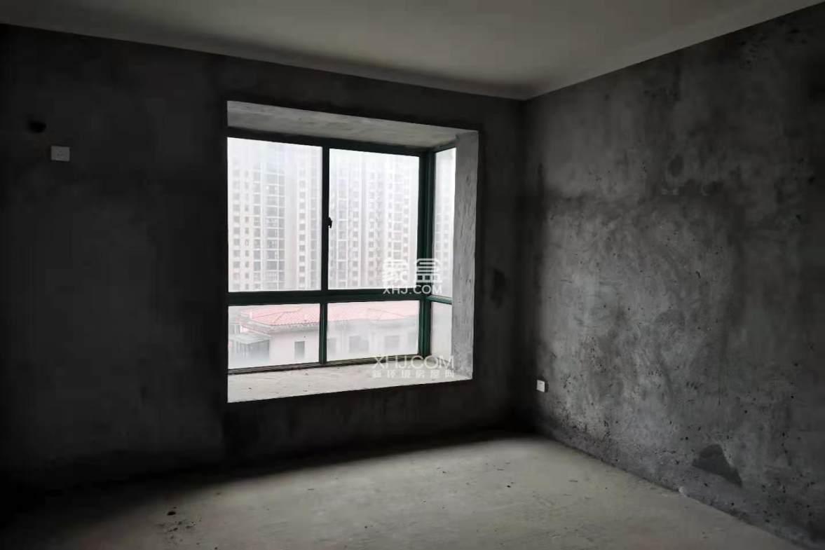 宏宇新城巴萨名门北区  4室2厅2卫    89.9万