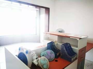 五一大道202  二室一厅