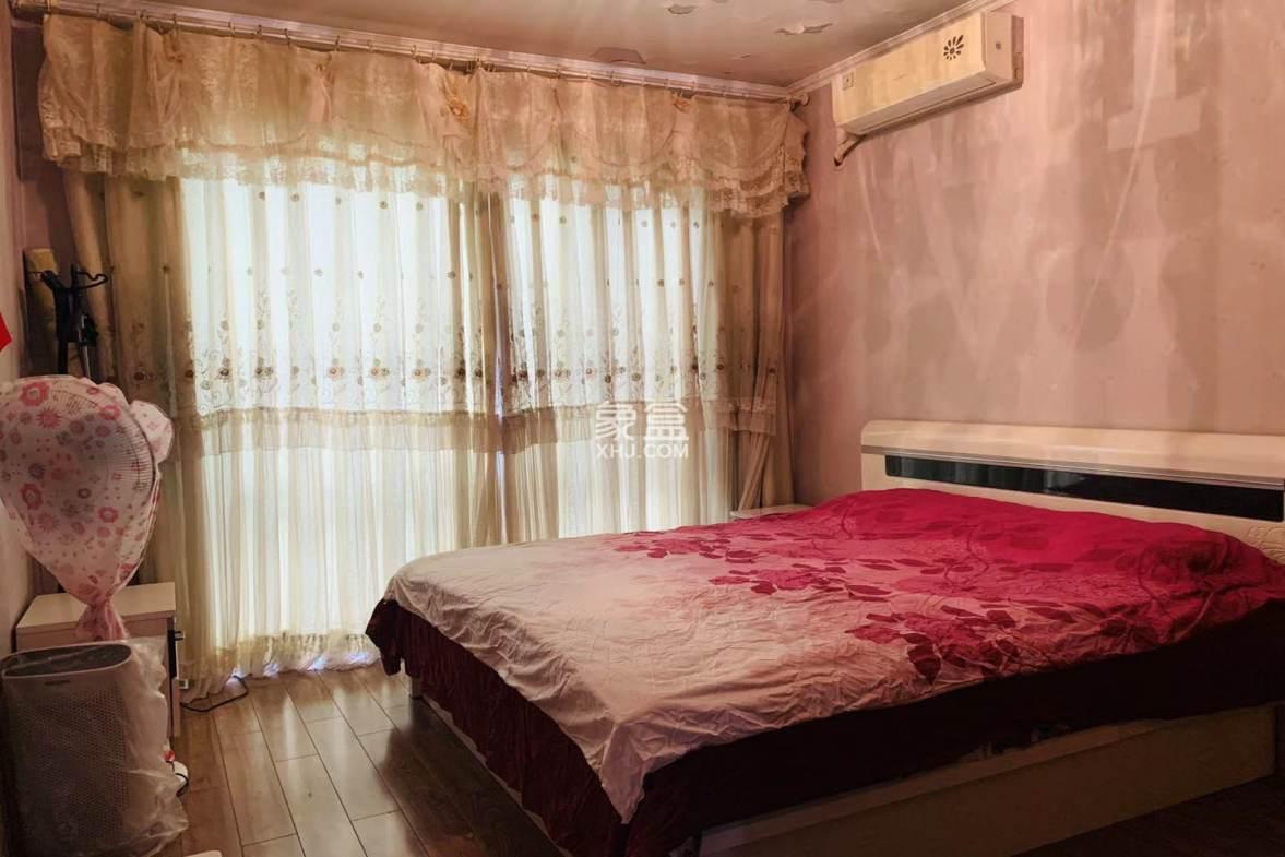 中铁丶西子香荷  3室2厅2卫    402.0万