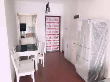 梅溪湖精装三房,价格美丽,环境舒适!