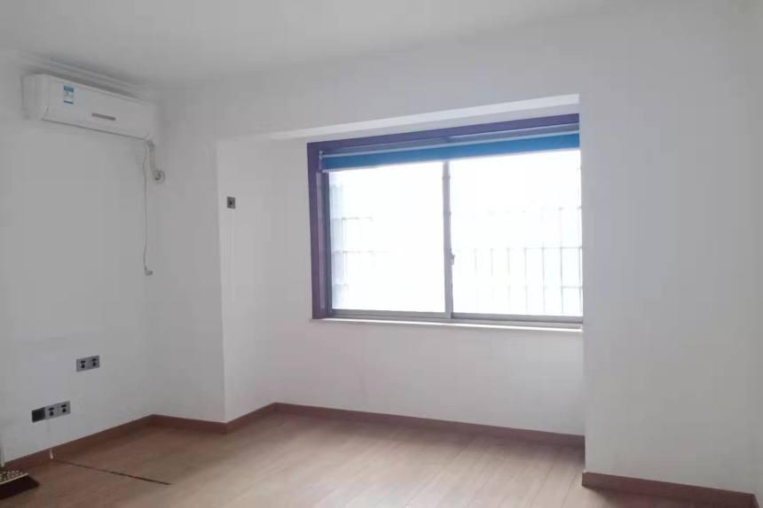 金源大厦  3室2厅2卫    4200.0元/月